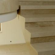 Schody marmurowe Crema Marfil, Travertino Noce